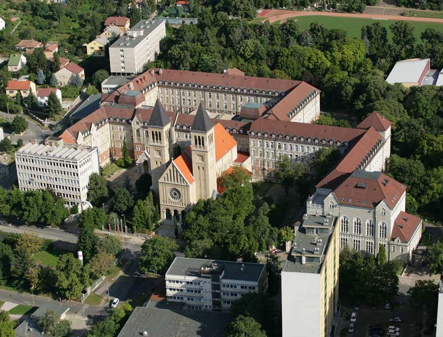pecs_university